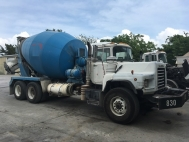 2004 Mack DM690 Concrete Mixer Truck