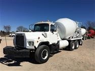2001  Mack DM690 Concrete Mixer Truck