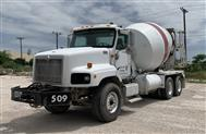 2005 International Harvester Paystar 5000 w/MTM 10.5 YD Mixer