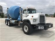 2003 Mack DM690 Concrete Mixer Truck